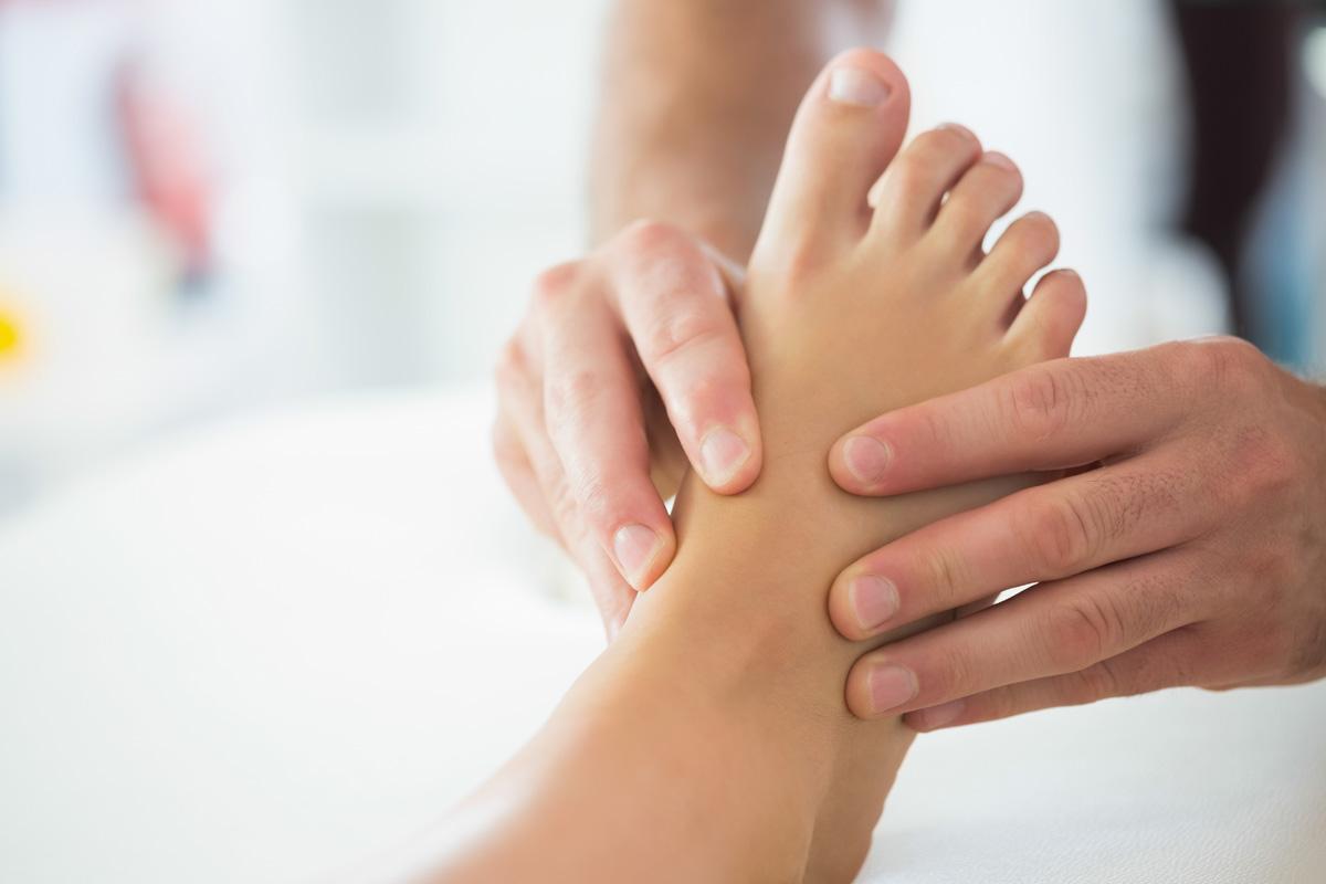 El 70% de la población no cuida sus pies de forma correcta