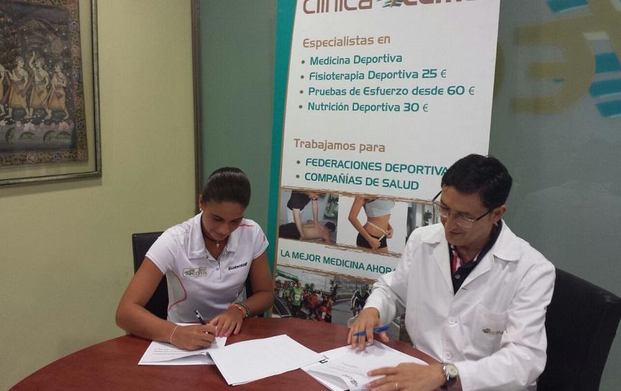 Clínica Tecma firma un convenio de colaboración con la tenista Carla Pons