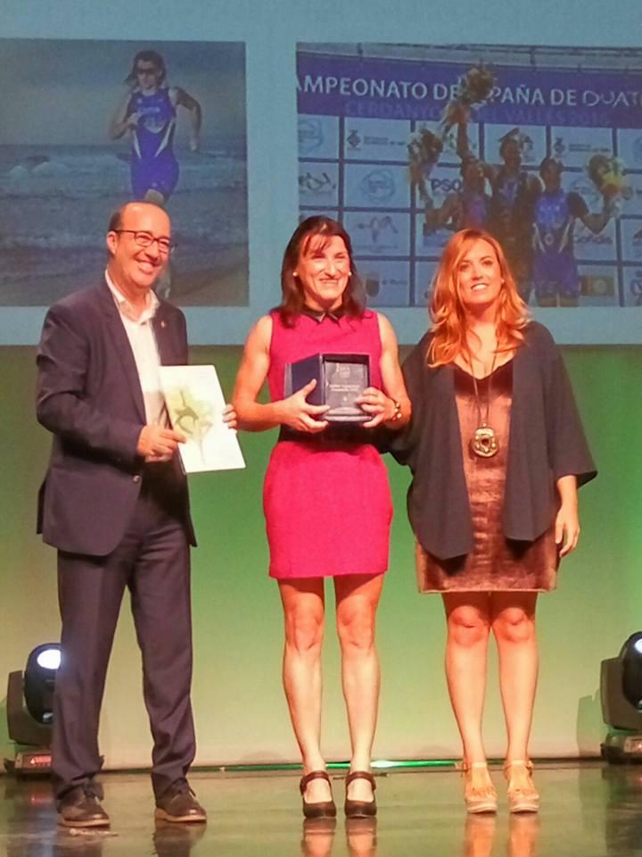 Davinia Albinyana gana el premio especial a la mejor deportista de 2016 de Alzira