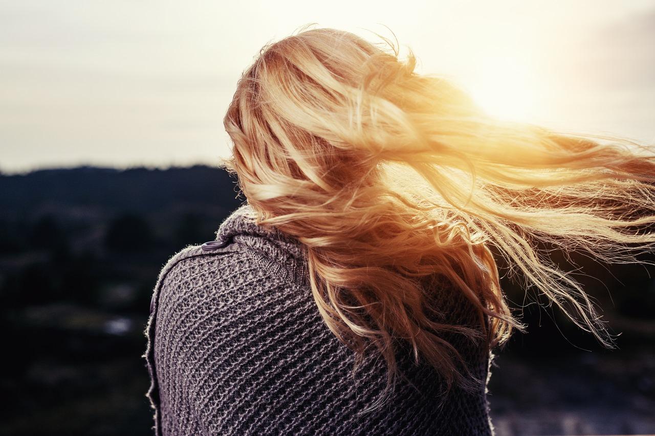 ¿Caída del cabello? 5 motivos para acudir al Dermatólogo Tricólogo